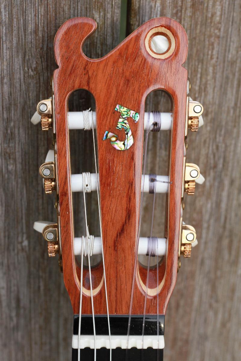 Guitare nylon GN2011153