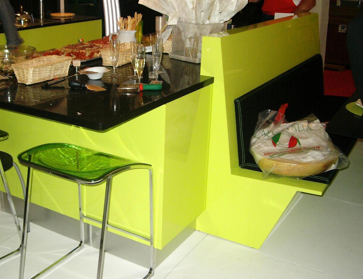 Agencement cuisine (laqué vert anis(polilustré )