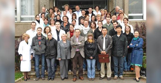 Le laboratoire de recherche - Association humanitaire