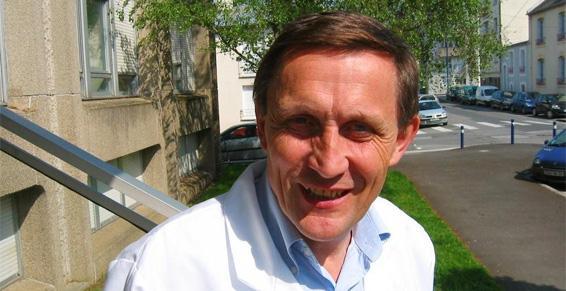 Le Pr Claude Férec, Directeur du laboratoire de recherche de Brest