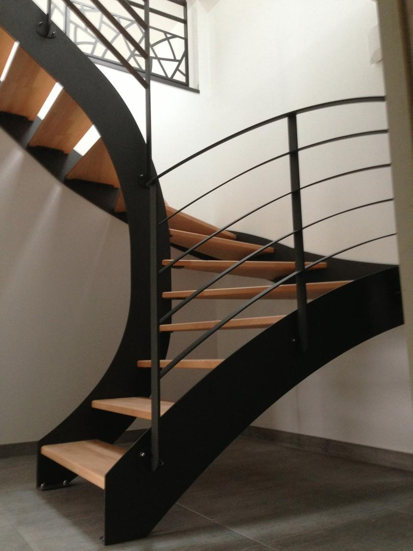 Alpha Métal, installation d'escaliers en bois et métal