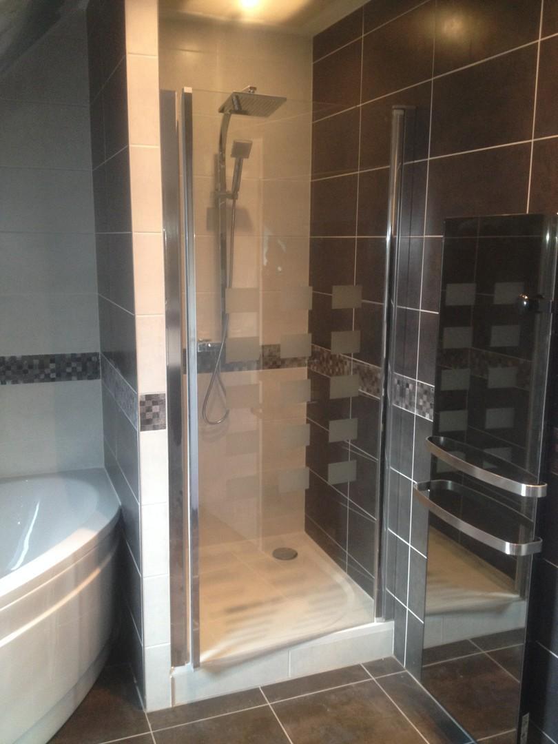 Cabine de douche posée par Amg' Thermique à Saint-Avertin en Indre-et-Loire (37)