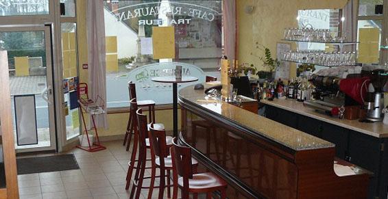 Auberge de la Cléry à Saint Hilaire les Andrésis - Restaurants