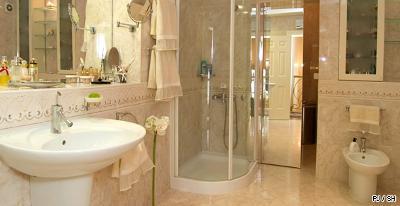 Revêtements_sol_mur_marbre_de_décoration_faience_salle_de_bains_SH_130131.jpg